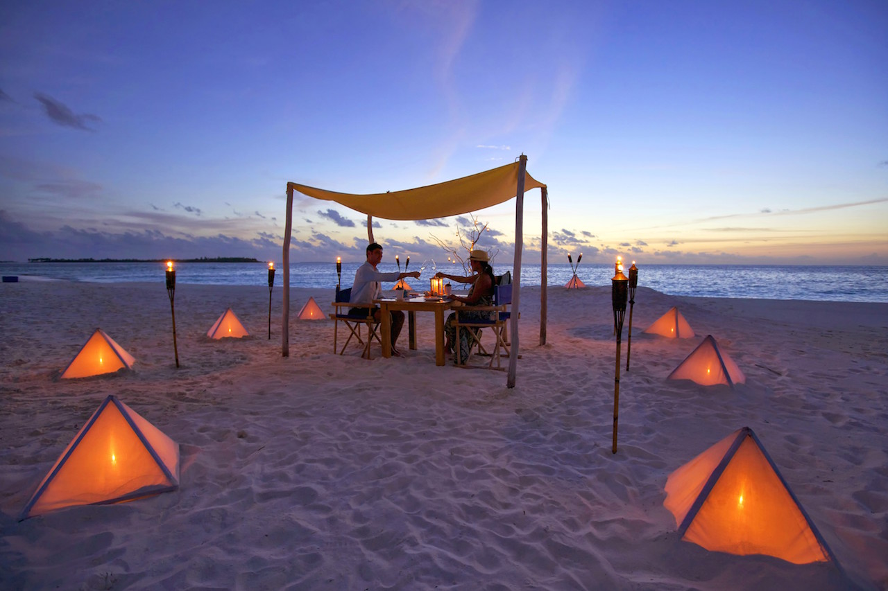 Sandbank Private Beach Dining, Six Senses Laamu