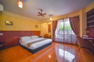 Deluxe Double Room with Beach View