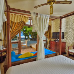 Deluxe Rooms, Olhuveli Beach & Spa Maldives Resort