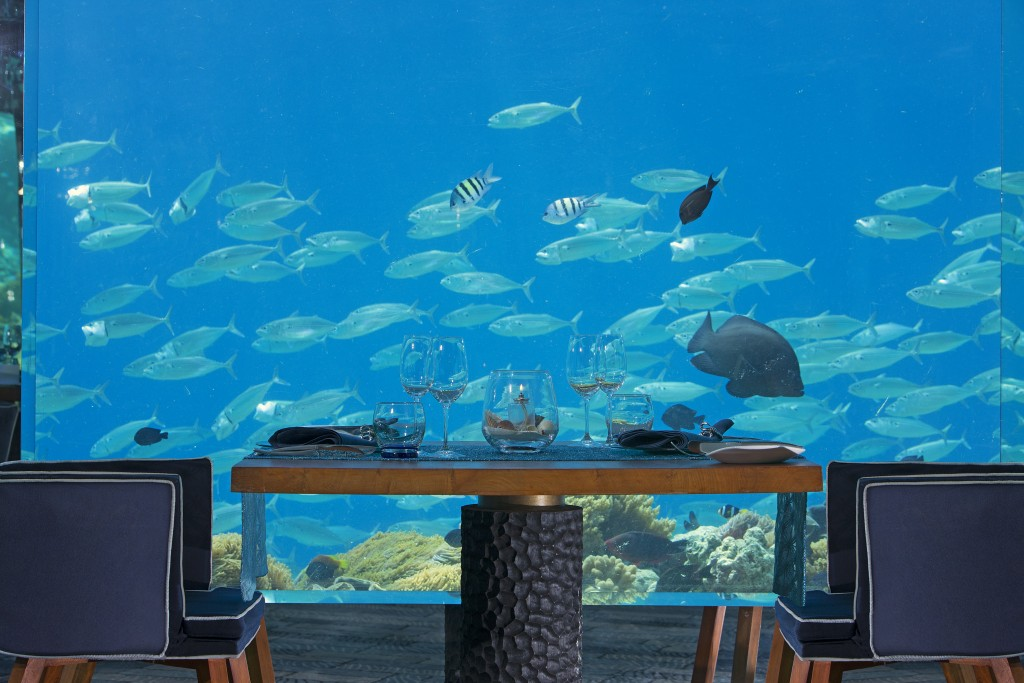 Anantara Kihavah Villas_ Sea restaurant table for two