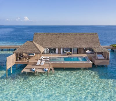 The Grand Overwater & Reef Villa With Pool features an extra Guest Room