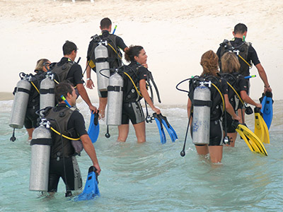 Adaaran Prestige Water Villas - Diving excursions by Meedhupparu